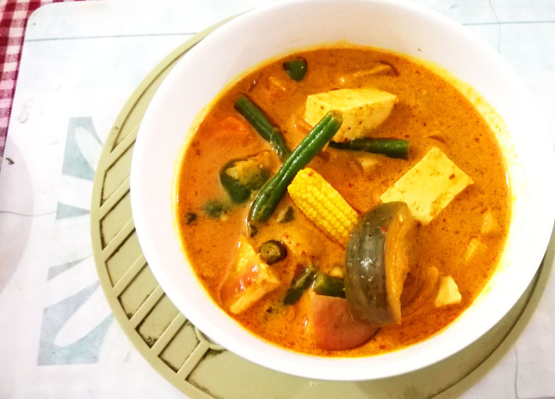 tofu and summer vegetables in coconut milk red curry with tofu a