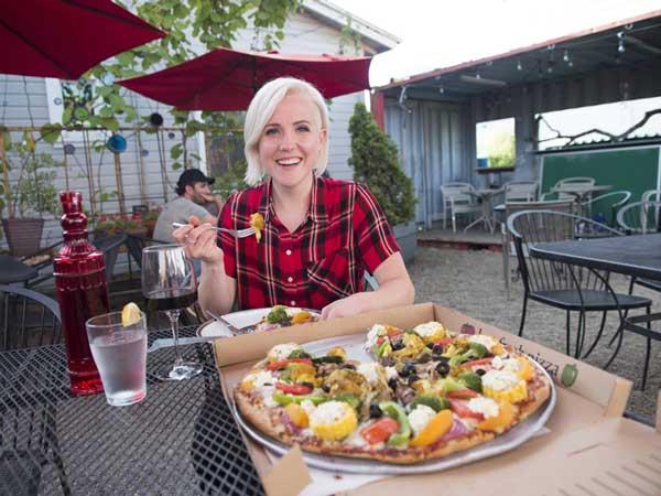 Hannah Hart Food Network Premiere